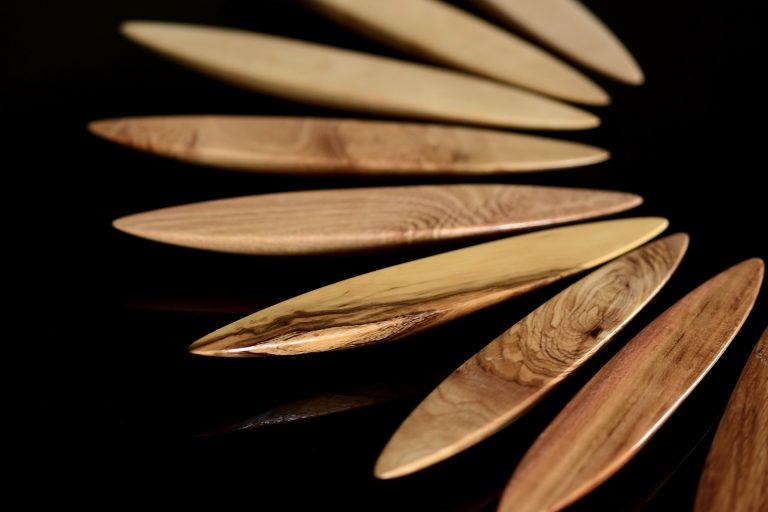 Anagyres toupies en bois