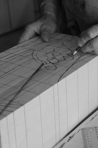 Bloc de bois, sculpture d'artiste