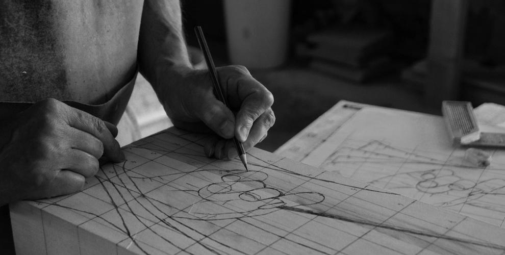 Technique de dessin quadrillé, sculpture sur bois